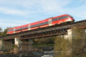 Ottawa's pioneering DMU light rail line
